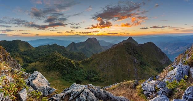 Paysage à doi luang chiang dao, haute montagne dans la province de chiang mai, thaïlande
