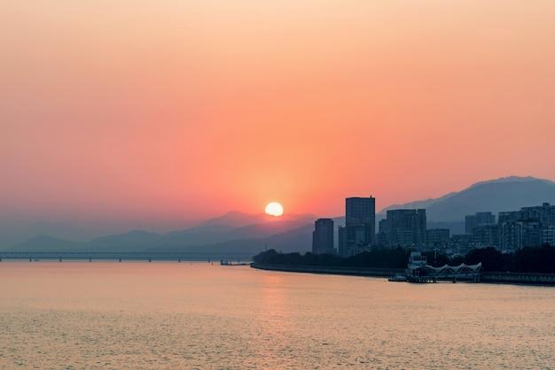 Paysage du coucher du soleil
