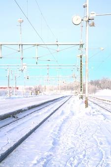 Paysage ferroviaire d'hiver