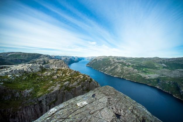 Paysage de fjord norvégien en été