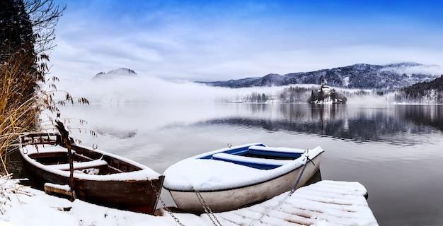 Paysage D'hiver Lac De Bled Voyage Slovénie Europe Lac De Bled Attractions Touristiques étonnantes Photo Premium