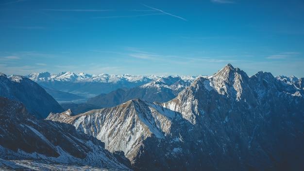 Paysage d'hiver montagne