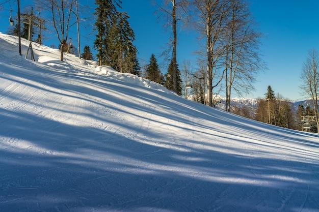 Paysage d'hiver de la station de ski de krasnaya polyana.