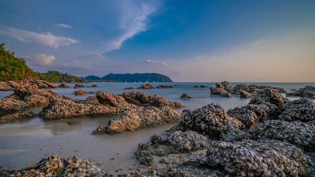 Paysage de mer en pierre