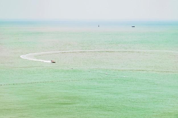 Paysage de la mer verte