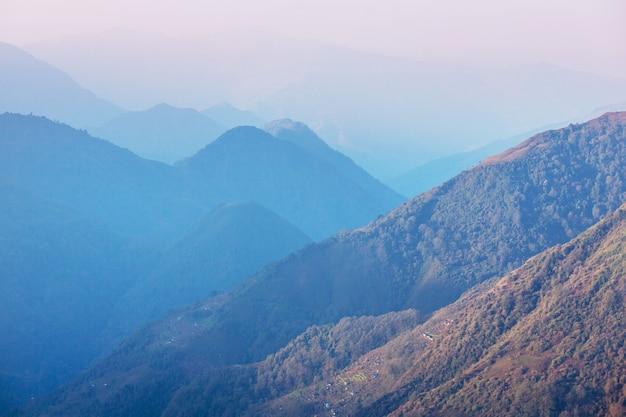 Paysage de montagnes au népal