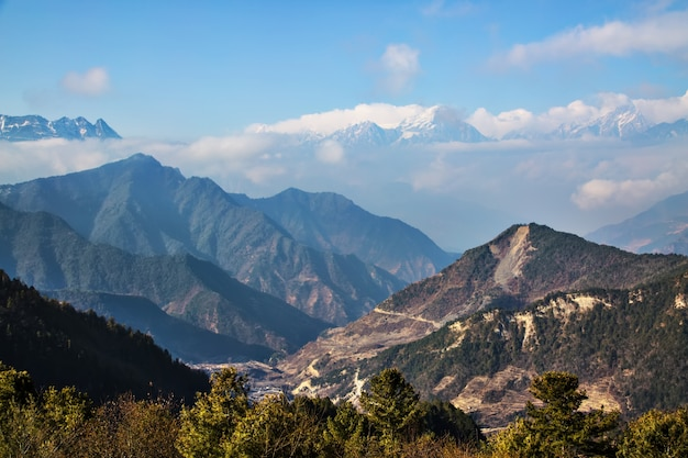 Paysage montagneux naturel