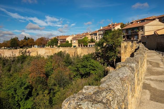 Paysage des murs médiévaux de ségovie