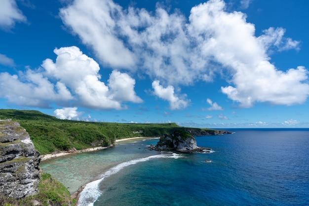 Le paysage naturel de la petite île saipan dans les îles mariannes du nord.