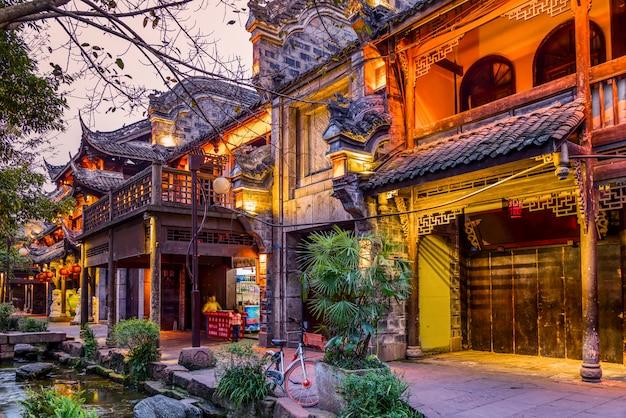 Paysage nocturne de la vieille ville de chengdu, province du sichuan, chine