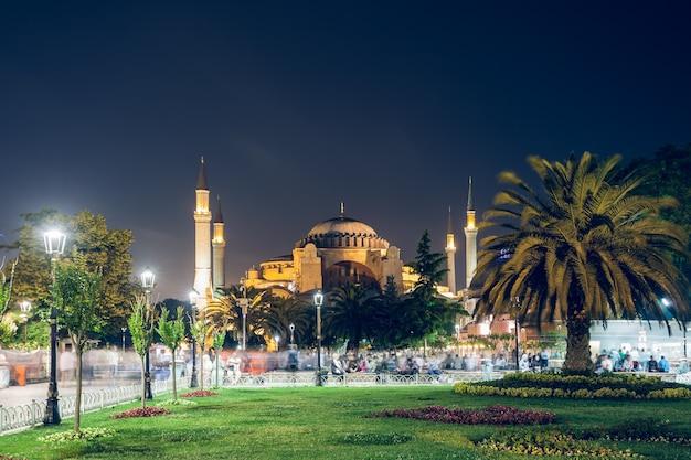Paysage de nuit d'istanbul street turquie
