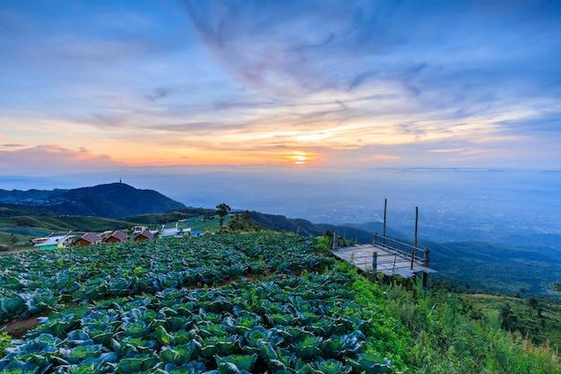 Paysage de la province phu- tub-berk phetchabun, thaïlande.