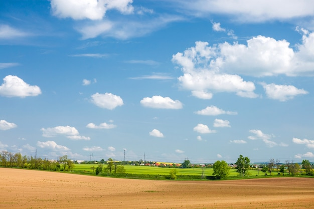 Paysage rural hongrie au début du printemps
