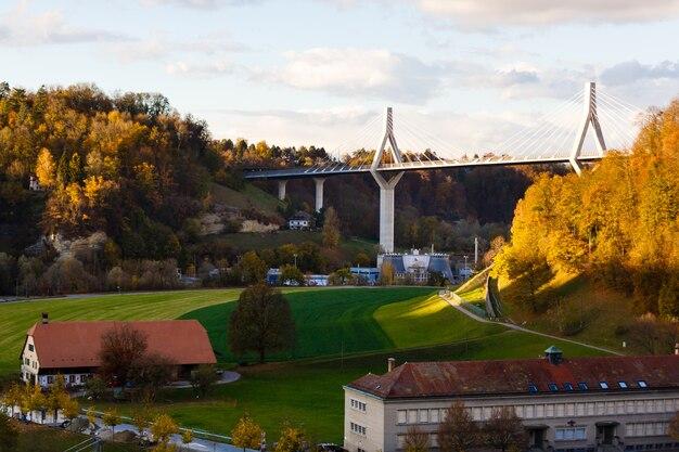 Paysage avec ses maisons médiévales historiques à fribourg, en suisse