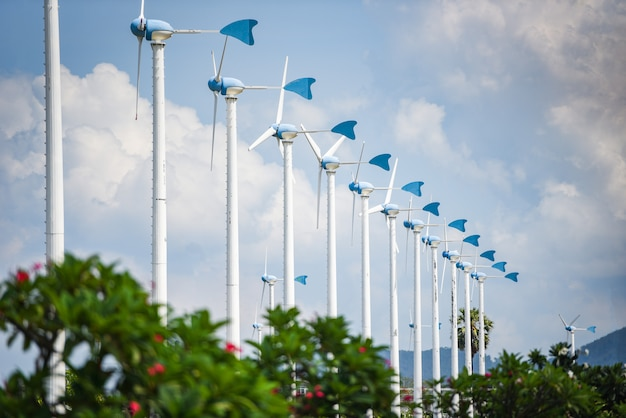 Paysage de turbines éoliennes énergie naturelle verte concept d'énergie écologique sur la colline d'un parc d'éoliennes