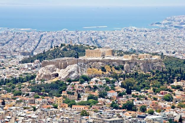 Paysage urbain d'athènes et colline de l'acropole, vue depuis la colline du lycabette