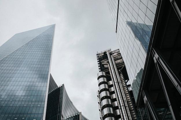 Paysage urbain de londres à travers les gratte-ciel