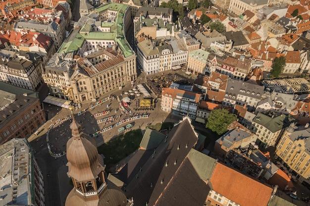 Paysage urbain de riga, la capitale de la lettonie. vue aérienne