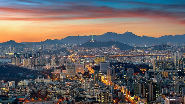 Paysage urbain de séoul au crépuscule en corée du sud.