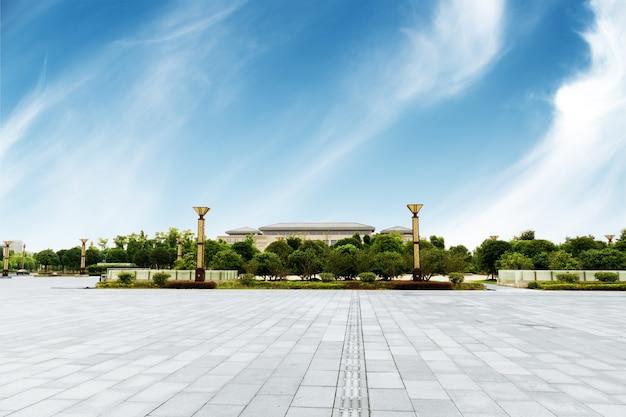 Paysage urbain et skyline de chongqing dans un ciel nuageux sur la vue du sol vide