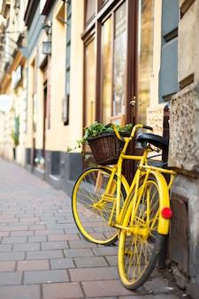 Paysage urbain de la vieille ville européenne confortable
