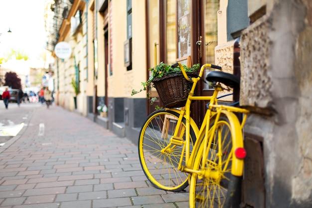 Paysage urbain de la vieille ville européenne confortable.