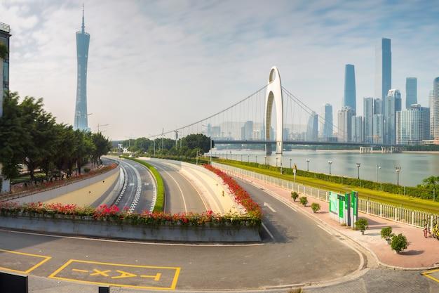 Paysage urbain de la ville de guangzhou au soleil, chine