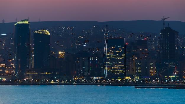Paysage de la ville de bakou de nuit