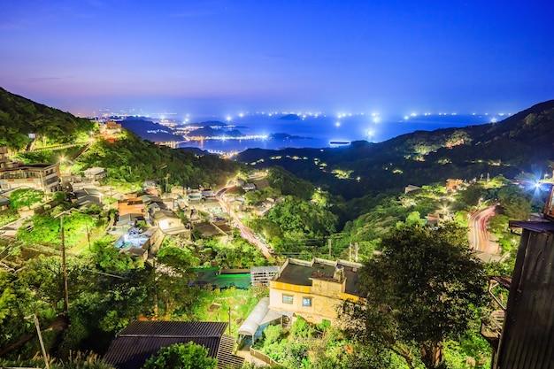 Le paysage de la ville de montagne balnéaire à jiufen, taipei, taiwan