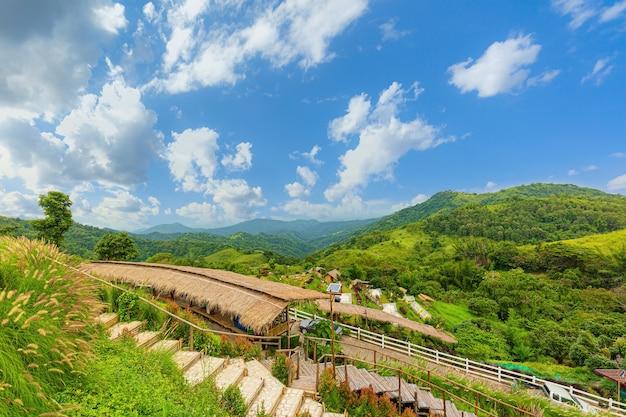 Paysage de villégiature dans la vallée de la province de phetchabun en thaïlande