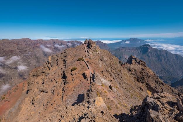 Paysage volcanique à roque de los muchachos, île de la palma, îles canaries.