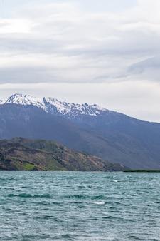 Paysages du lac wanaka pierres de neige et eau ile sud nouvelle zelande