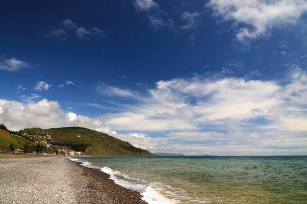 Paysages de la mer noire, large de la côte de la crimée