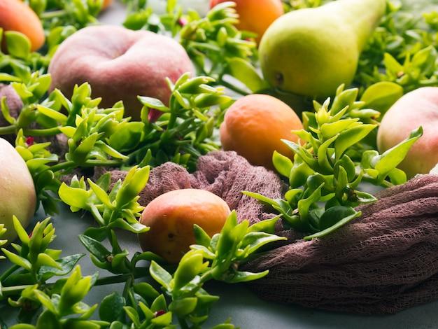 Pêches, abricots et poires