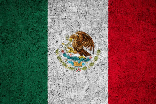 Peint le drapeau national du mexique sur un mur de béton