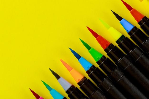 Peintres d'art aquarelle stylos pinceau