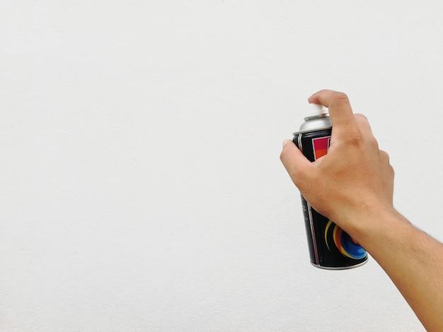 Peinture en aérosol à portée de main