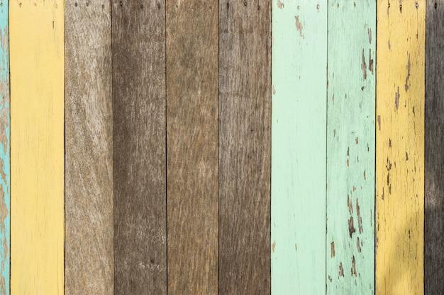 Peinture colorée sur une planche en bois., couleur fond de texture.