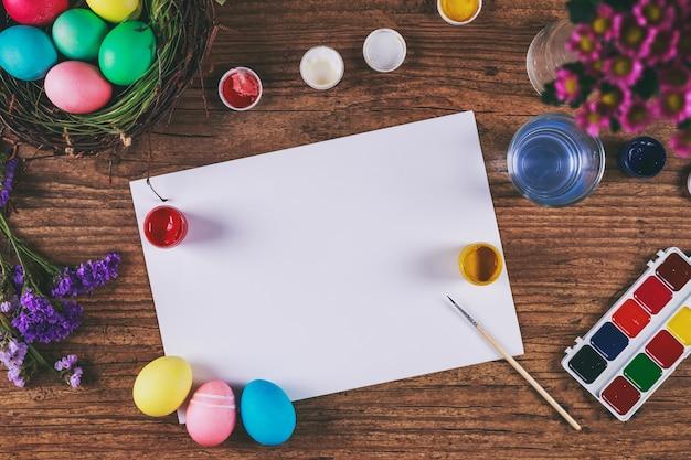 Peinture des oeufs pour la fête de pâques