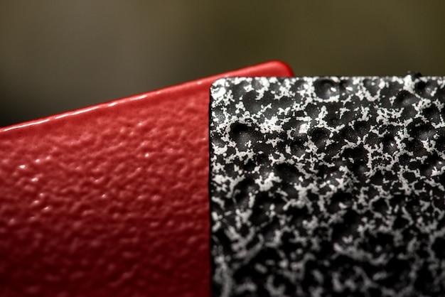 Peinture en poudre pour la protection des pièces et structures de construction métalliques