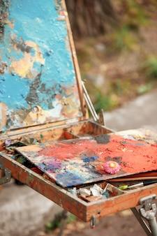 Peintures et pinceaux