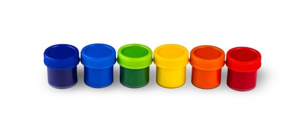 Peintures pour enfants dans des pots isolés