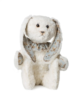 Peluche lapin blanc isolé sur fond blanc
