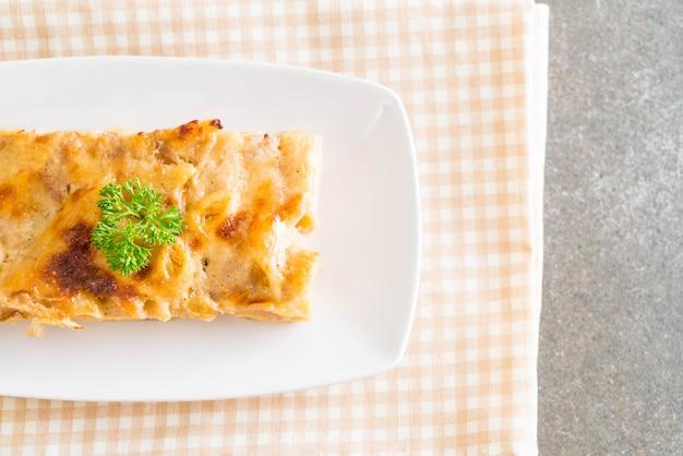 Penne au four avec fromage et jambon