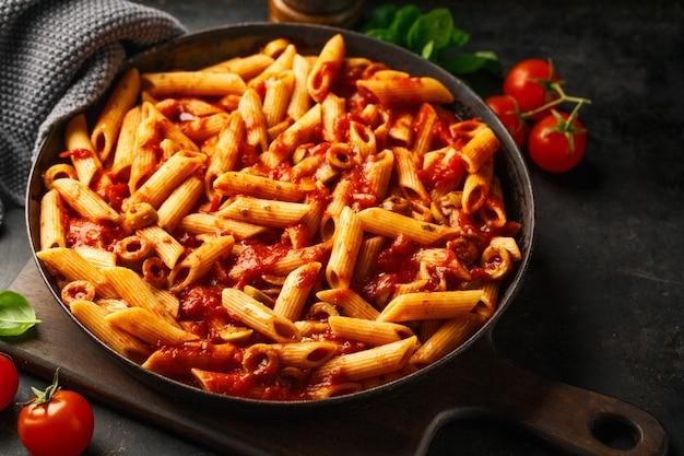 Penne classique à la sauce tomate