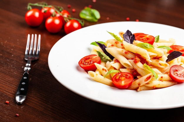 Penne à la sauce tomate.