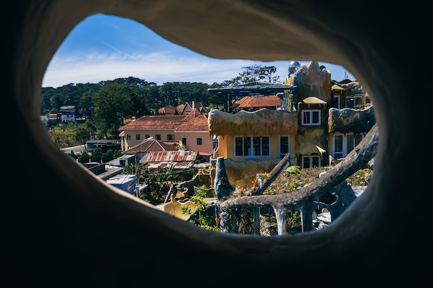 Pension hang nga, plus connue sous le nom de crazy house