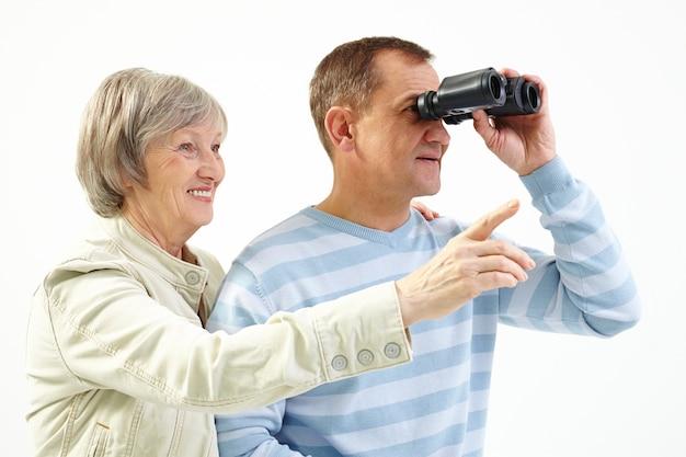 Les pensionnés appréciant les vues