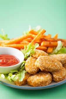Pépites de soja végétaliennes et frites de patates douces