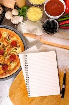 Pepperoni pizza avec livre de recettes